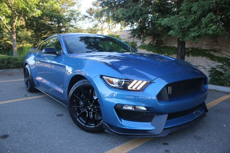 2019 Ford Mustang Shelby GT350 auction - Cars & Bids